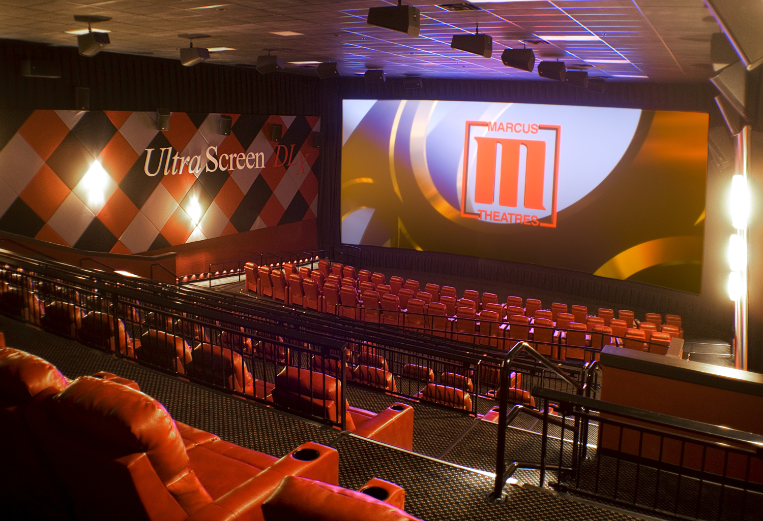 The Marcus South Pointe Cinema is your premiere entertainment destination with % DreamLounger recliners, including our spectacular SuperScreen DLX auditoriums with Dolby Atmos sound! The theatre's lobby now includes a brand new food and beverage outlet, Reel Sizzle®.